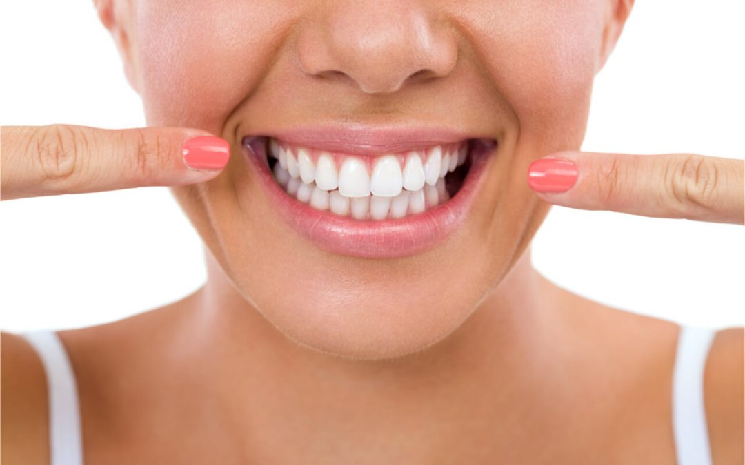 How to straighten your teeth at home